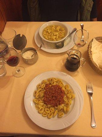 Ristorante Trattoria Belfiore In Bologna Con Cucina Cucina
