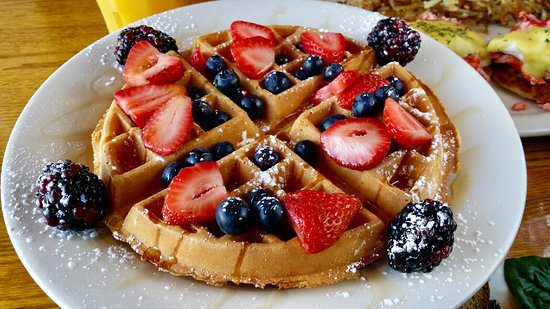 Seabrook, NH: Waffle with Fruit