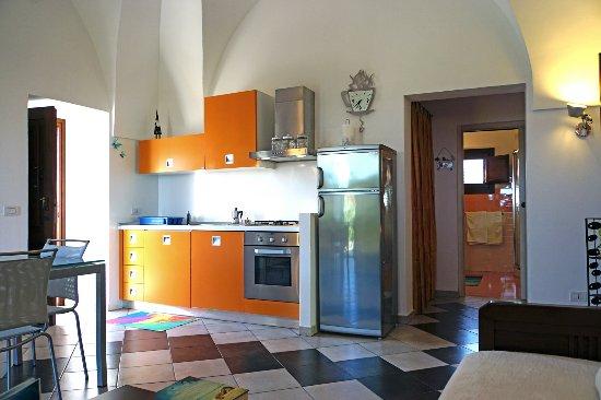 cucina soggiorno - Picture of Dammusi e Relax, Pantelleria - TripAdvisor