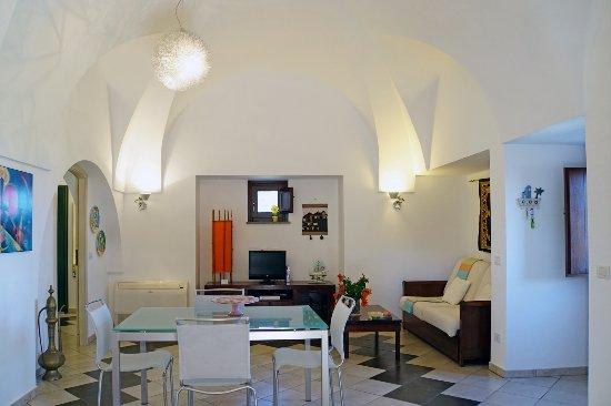 pranzo soggiorno - Foto di Dammusi e Relax, Pantelleria ...