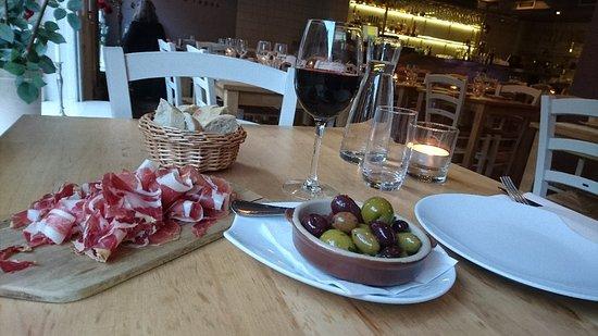 La Roche Vin & Tapas : DSC_0107_large.jpg