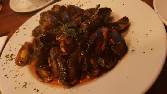 Haslingden, UK: Mussels - Tasty fiddly