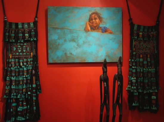 Ojai, Καλιφόρνια: Blue wall by Leslie Clark with camel bags from Niger and Rythym pounders from Ivory coast.