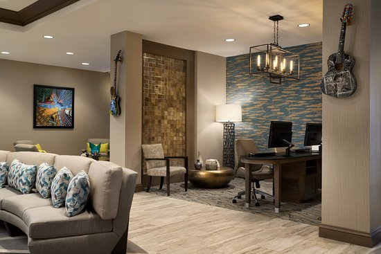 Southaven, MS: Lobby Seating and Computer Stations