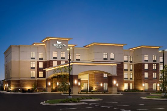 Southaven, MS: Hotel Exterior at Dusk