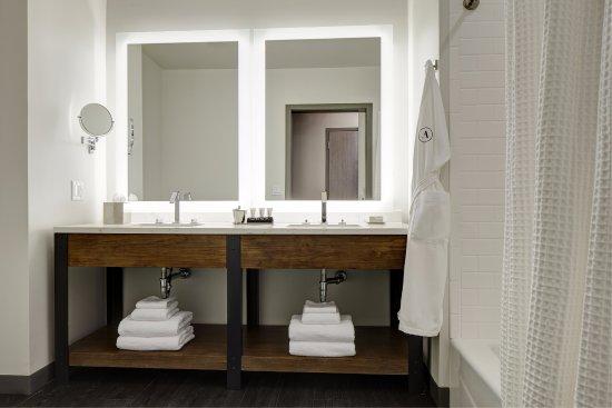 Florham Park, نيو جيرسي: Double King Bathroom