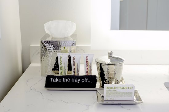 Florham Park, NJ: Guest Bathroom Amenities