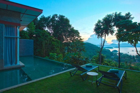 Langkawi District, Malaysia: Sunrise from villa Kemarong