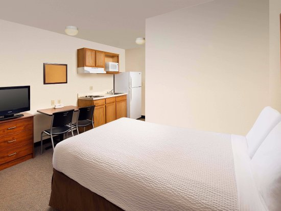 WoodSpring Suites Springfield