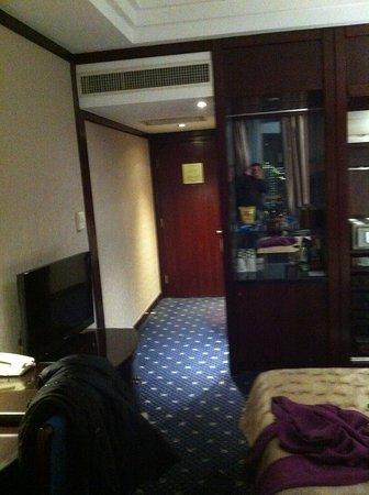 The Bund Hotel: Camera