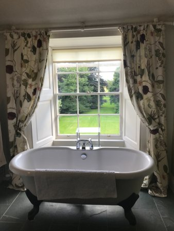 Letham House: Who wouldn't want to soak?