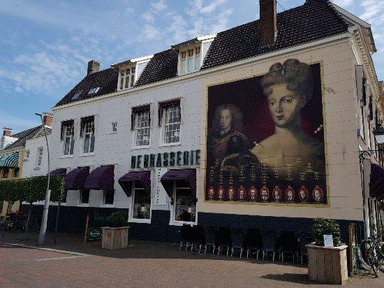 De Brasserie Maria Louise, gevestigd in een mooi rijksmonument in het centrum van Leeuwarden
