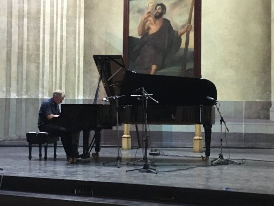 Church and Convent of St. Francis of Asisi: Der Pianist