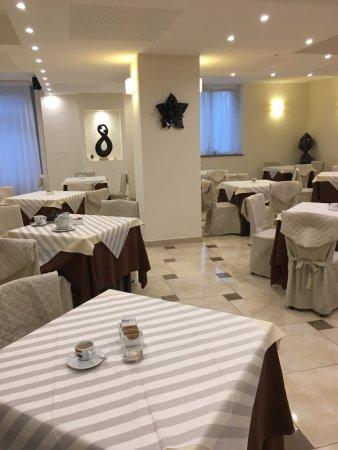 Castel Del Piano, Ιταλία: Breakfast Buffet room