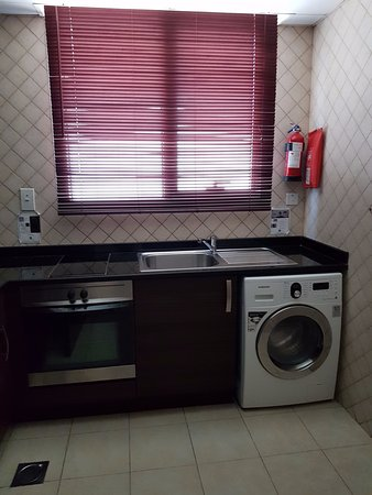 Marmara Hotel Apartments: кухня