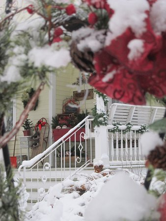 Lanesboro, MN: Our porch is beautiful at Winter
