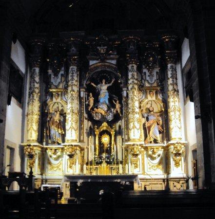 Botafumeiro: Vista de um dos altares