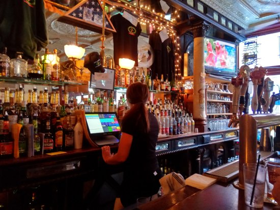 Molly Maguires Pub & Steakhouse: A nice atmosphere