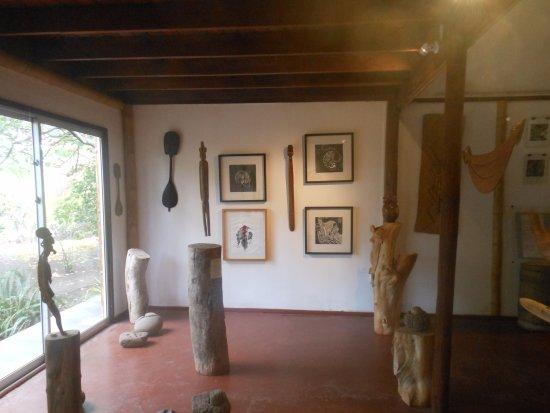 Hostal Aukara Rapa Nui : dentro de la galería