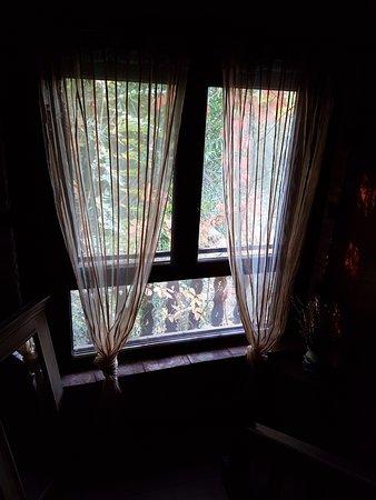 Navaconcejo, Spain: ventanal de la casa