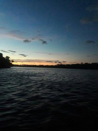 Jungle Rudy's Ucaima Camp: Nada como viajar a canaima y gozar de los servicios que ofrece el campamento Ucaima... Visitanos