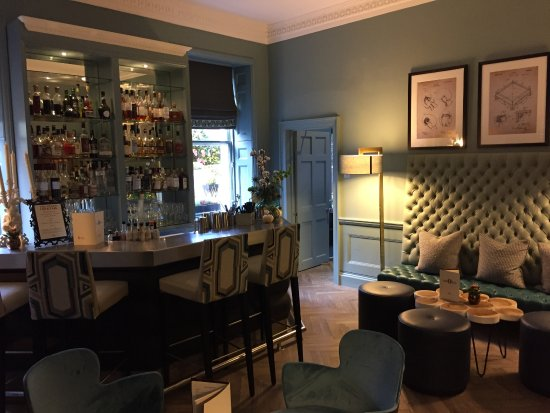 Queensberry Hotel: Bar