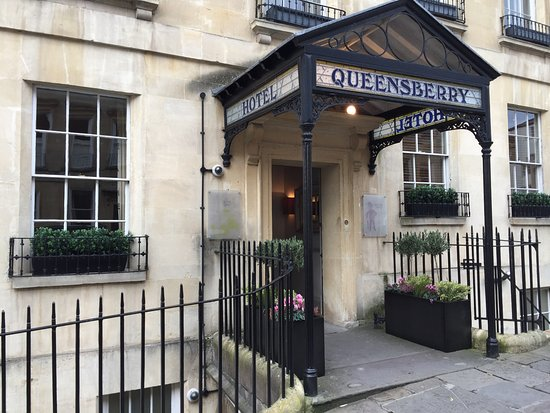Queensberry Hotel: Entrance