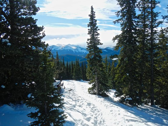 Bragg Creek, Canada: More views, nice packed trail