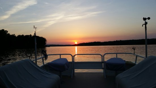Mineral, VA: Lake Anna Cruises - Sunset