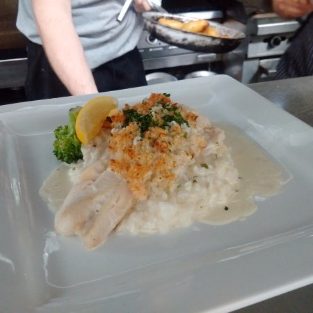Kensington, Kanada: Crab Crusted Haddock with white wine sauce and risotto