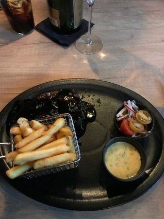 Enkoping, Σουηδία: ICE Sportsbar & Restaurant