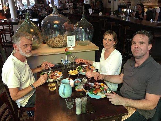 Zuidlaren, Нидерланды: Kom genieten van gerechten van onze uitgebreide menukaart