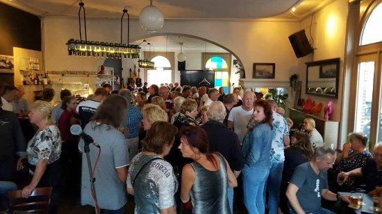 Zuidlaren, Nederland: Altijd gezellig, elke zondagmiddag live muziek vanaf 16 uur