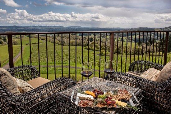 Youngberg Hill Vineyards & Inn照片
