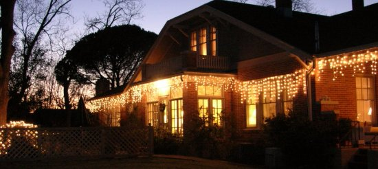 Magnolia House Bed and Breakfast: Christmas at Magnolia House