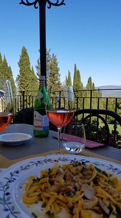 Villa Campestri Olive Oil Resort: Delicious pasta lunch!
