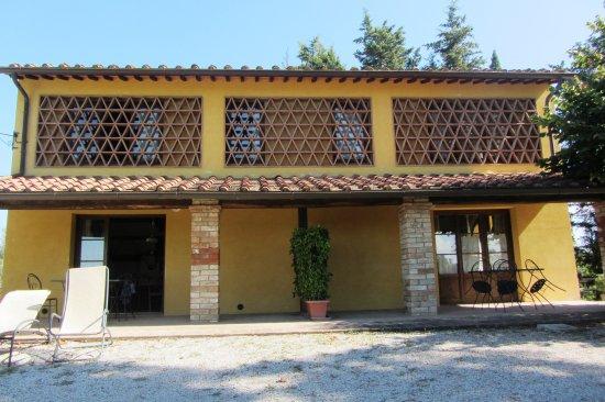 """Castello Di Oliveto: """"Michelangelo"""" and """"Giotto"""" mit Terasse"""