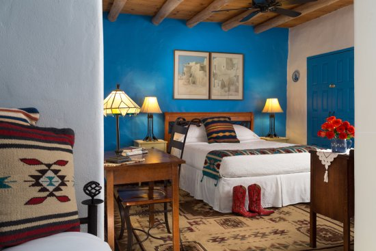 Chimayo, Nuovo Messico: Our Heart of the House Room is warm and inviting, with a distinct Southwest style.
