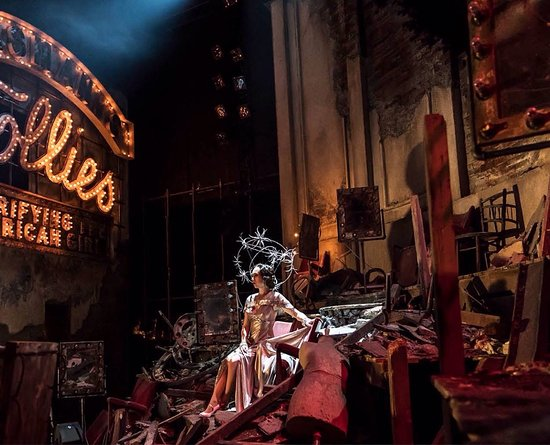 National Theatre: The set design for FOLLIES is an outstanding artistic achievement!