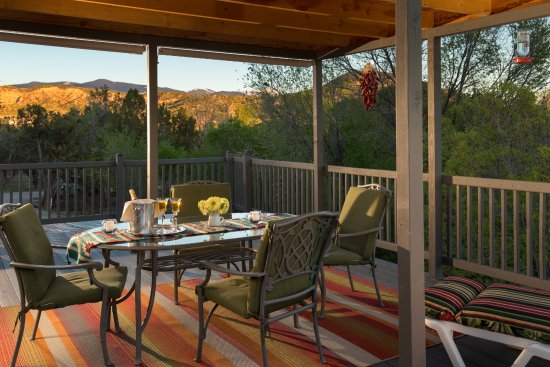 Chimayo, NM: Enjoy the stunning views from the Vista Room deck.