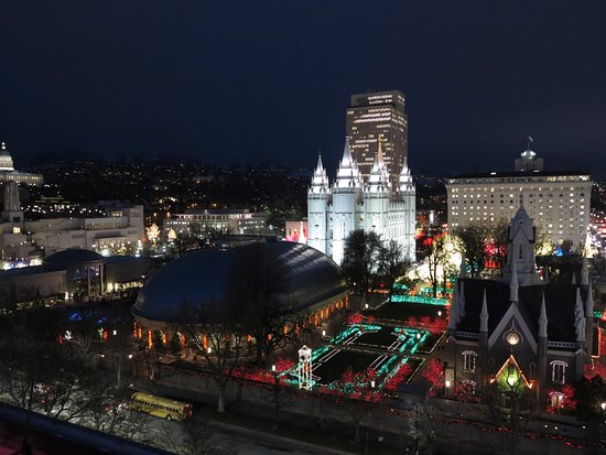 Salt Lake Plaza Hotel: View of Temple Historic Temple Square from Plaza roof.