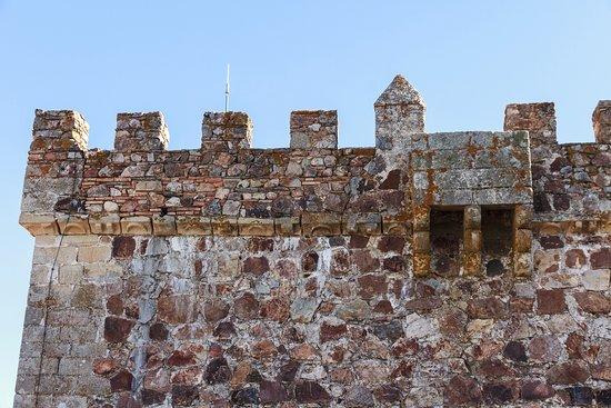 Alburquerque, Spain: Matacán y almenas de la torre del homenaje