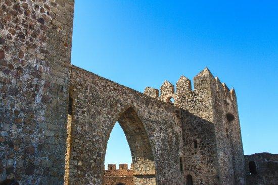 Alburquerque, Spain: Acceso a la torre del homenaje desde la torre pentagonal