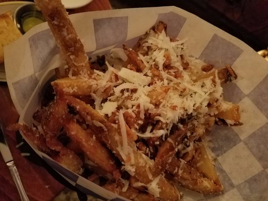 Barnard, VT: Roasted garlic parmesan fries. GET THEM!