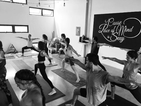 Escazu, Costa Rica : We offer private and group yoga classes