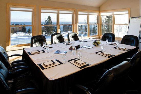 Tofte, MN: Business retreat - Ledgerock Room at Surfside