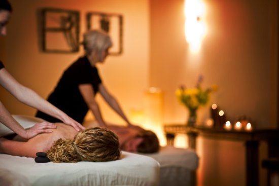 Tofte, MN: Couples Massage at Waves of Superior Spa