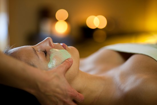 Tofte, MN: Facial at Waves of Superior Spa