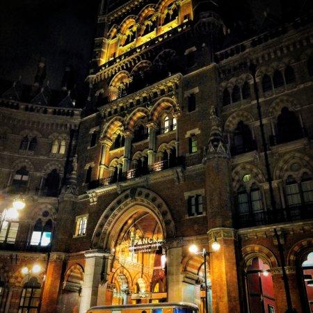 St. Pancras Renaissance Hotel London: IMG_20171114_005106_165_large.jpg
