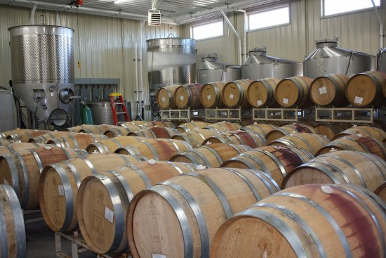 Quincy, Waszyngton: Cave B wine barrels ready for racking